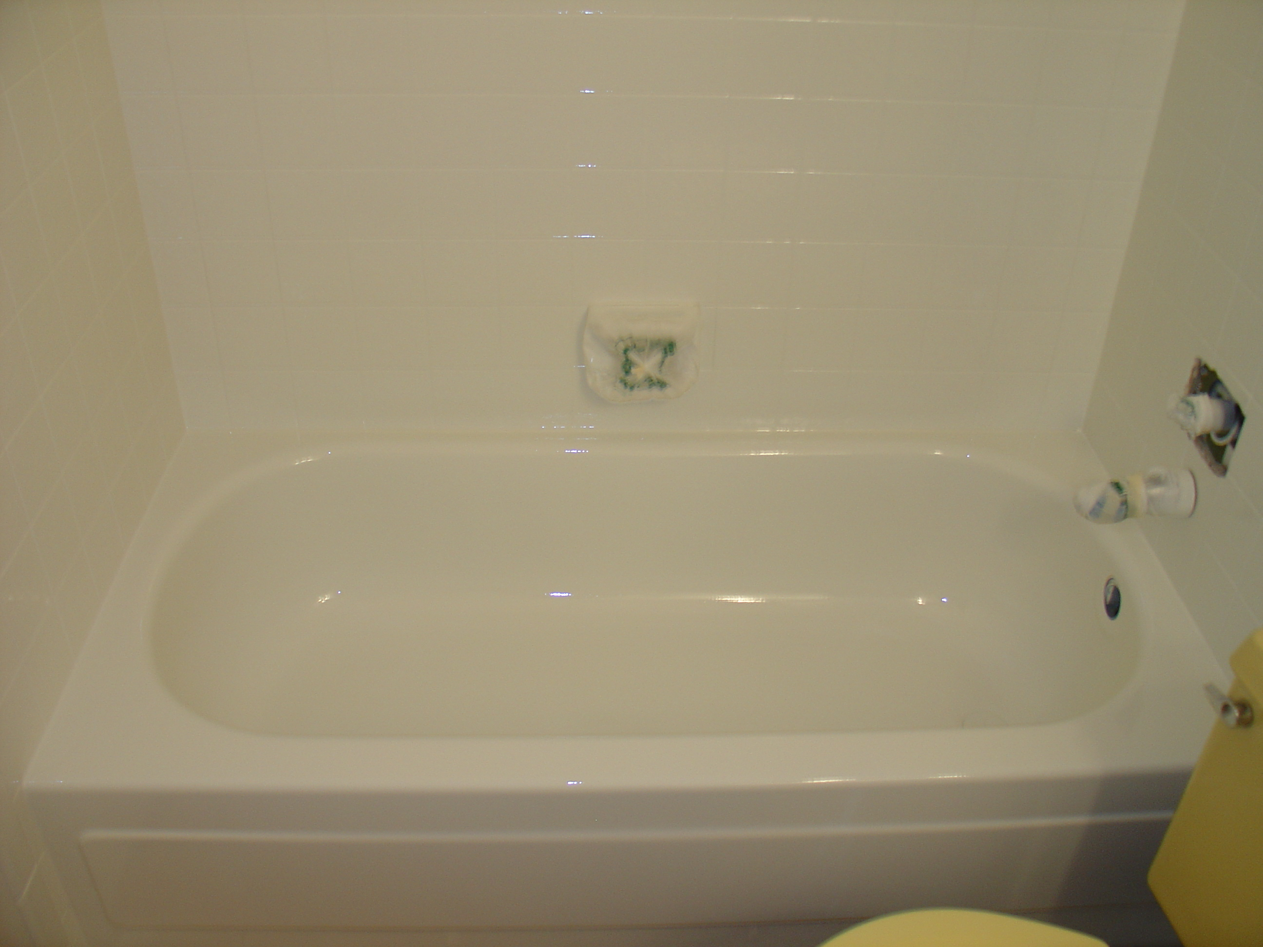 Bathtub Reglazing | Refinishing | Bathtub liners | St. Louis, MO